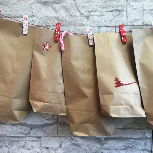 """24 Adventskalendertüten """"Air"""", Mix mit Holzklammern"""
